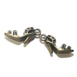 5 breloques chaussures métal bronze