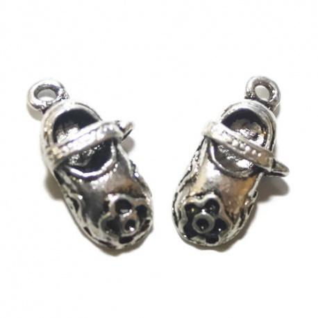 4 breloques chaussures à lanière métal argenté